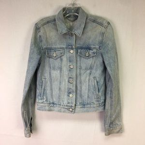 Gap Light Wash Denim Button Jean Jacket